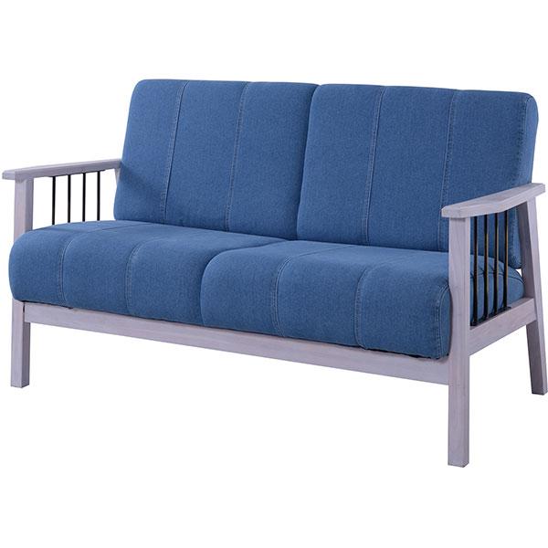 ユーズド感のある使い込んだジーンズの風合いが魅力の2人掛けソファ