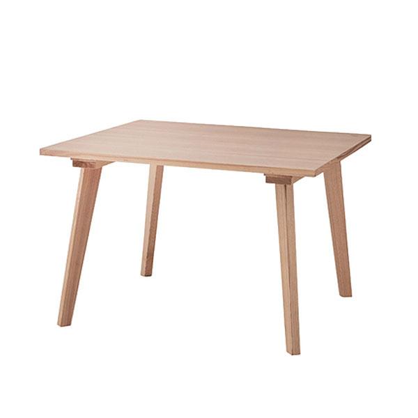 天然木を使用したナチュラルダイニングテーブル 100cm×100cm